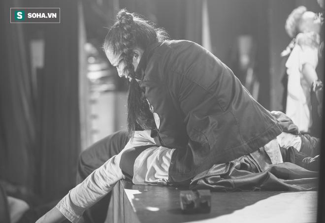 Say vai, suýt siết cổ bạn diễn ngạt thở và một đêm căng thẳng của diễn viên Minh Cúc  - Ảnh 16.