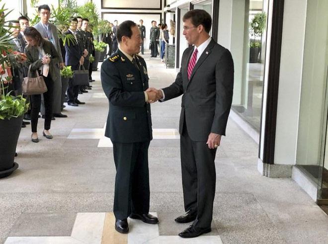 Biểu tình Hong Kong: Bộ Quốc phòng Trung Quốc lên tiếng - Ảnh 1.