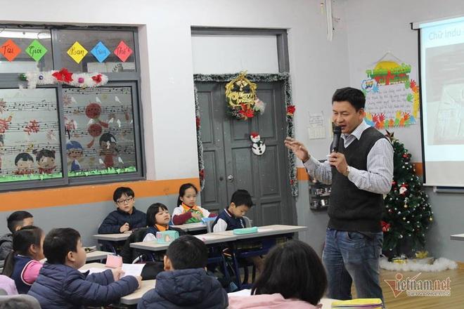 Thầy giáo bỏ việc nghìn đô, giúp học sinh làm thuyền vớt rác - Ảnh 6.