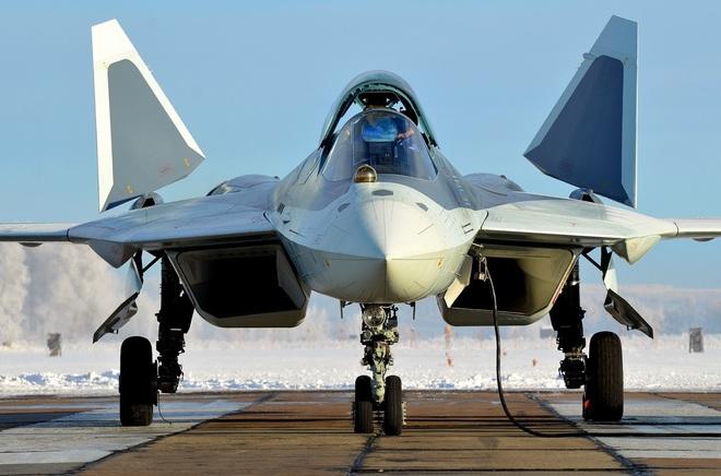 Su-57 quật sấp mặt F-35 ở UAE: Nga tung nước cờ hiểm hạ gục Mỹ ngay trên sân đồng minh? - Ảnh 2.