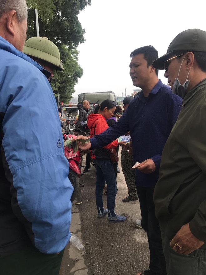 Cầm chưa nóng tay, thương binh đã vội bán, hét giá vé Việt Nam – Thái Lan cao gấp 5 lần - Ảnh 10.