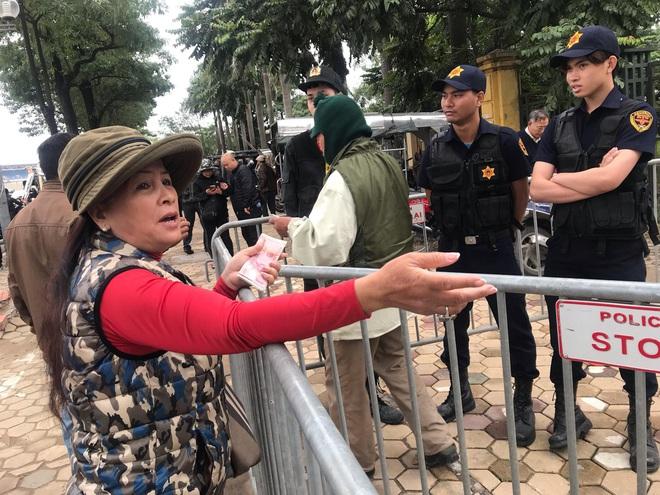 Cầm chưa nóng tay, thương binh đã vội bán, hét giá vé Việt Nam – Thái Lan cao gấp 5 lần - Ảnh 3.