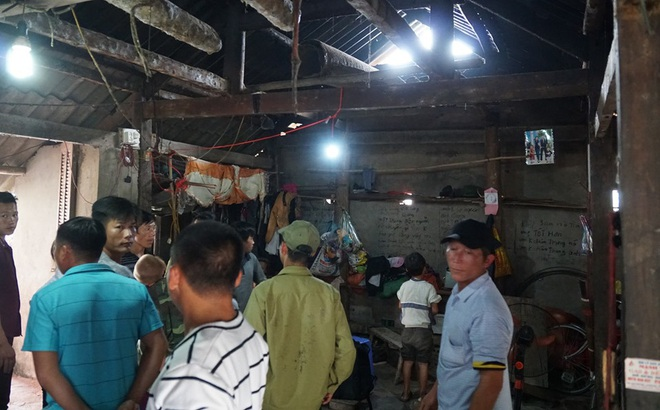 Vụ cha treo cổ chết cùng 2 con ở Tuyên Quang: Người vợ nhập viện sau khi về nhà chịu tang