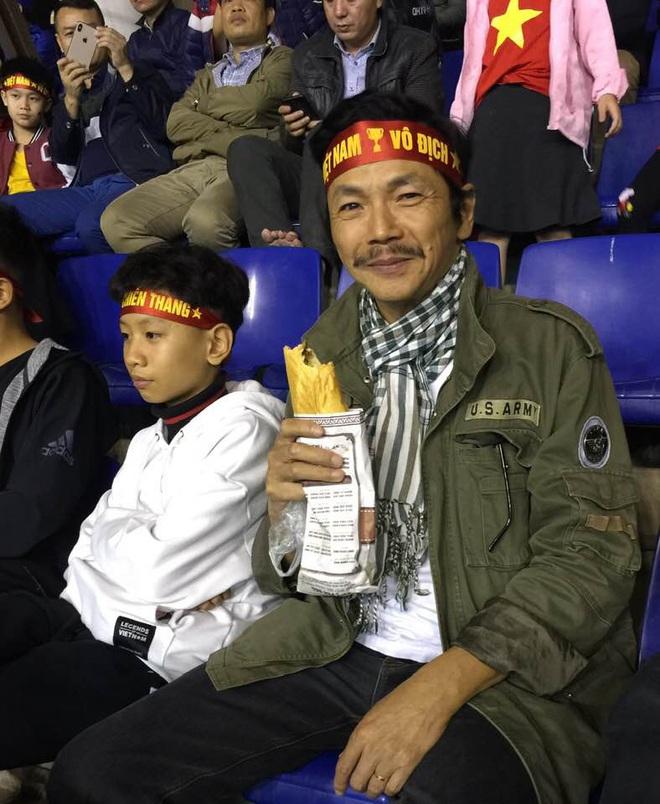 Ngọc Trinh căng thẳng khi theo dõi diễn biến trận Việt Nam - Thái Lan - ảnh 4