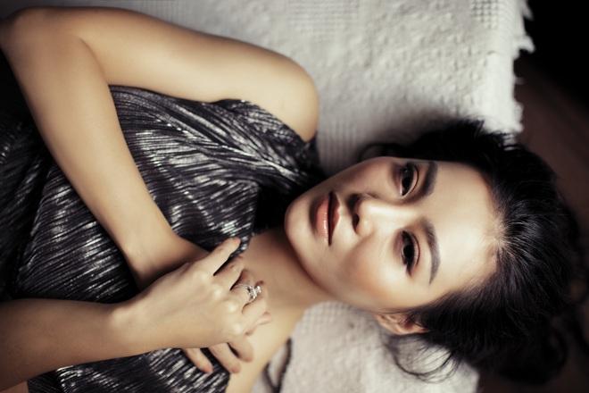 Không cần hở bạo, Thanh Hương vẫn đầy gợi cảm - ảnh 2