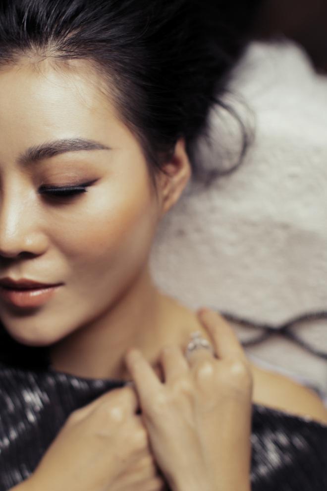 Không cần hở bạo, Thanh Hương vẫn đầy gợi cảm - ảnh 3