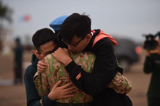 Cảm động lễ tiễn quân nhân lên đường thực hiện nhiệm vụ gìn giữ hòa bình tại Nam Sudan - Ảnh 5.