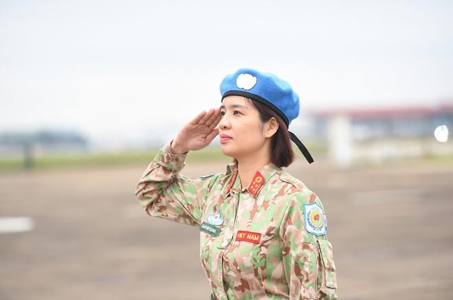 Cảm động lễ tiễn quân nhân lên đường thực hiện nhiệm vụ gìn giữ hòa bình tại Nam Sudan - Ảnh 9.