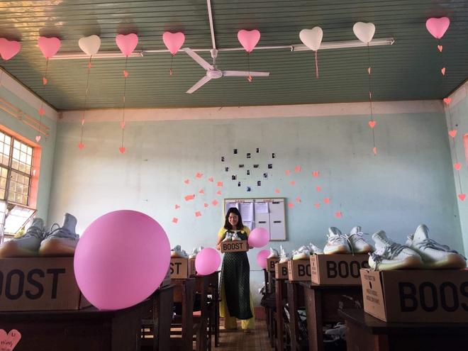 Nhóm nữ sinh chuẩn bị món quà đặc biệt trong ngày Quốc tế Nam giới khiến tất cả phải trầm trồ - Ảnh 2.