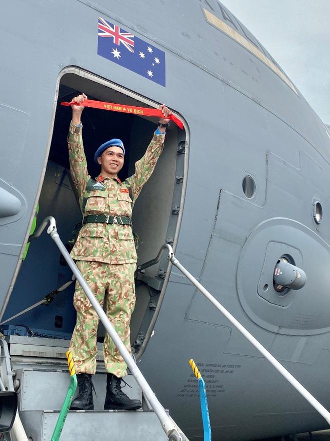 Cảm động lễ tiễn quân nhân lên đường thực hiện nhiệm vụ gìn giữ hòa bình tại Nam Sudan - Ảnh 2.
