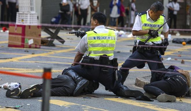 31.000 cảnh sát Hong Kong không thể chấm dứt biểu tình - Ảnh 2.