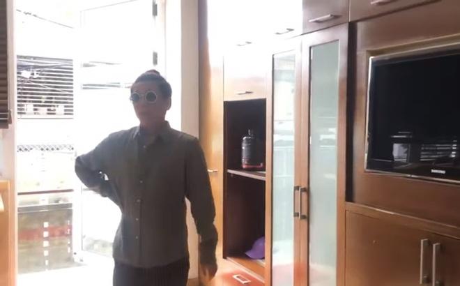 """Vũ Hà """"lục lọi"""" căn hộ triệu USD của Đàm Vĩnh Hưng nhưng """"thất vọng"""" vì điều này"""
