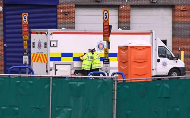 Cảnh sát Anh tin rằng 39 nạn nhân trên xe tải đều là người Việt Nam, nêu lí do chưa thể công bố danh tính nạn nhân