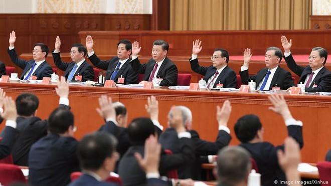 Đằng sau hiệu triệu xóa nghèo khí thế của ông Tập Cận Bình: Nông thôn tái nghèo, nông dân thèm được như Triều Tiên - Ảnh 6.