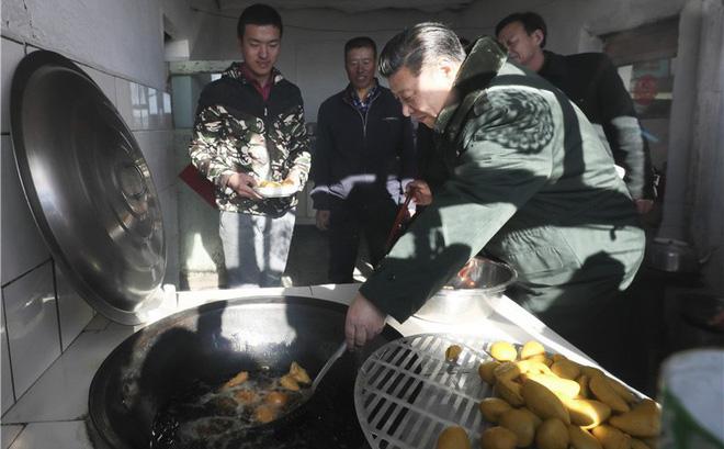 Đằng sau hiệu triệu xóa nghèo khí thế của ông Tập Cận Bình: Nông thôn tái nghèo, nông dân thèm được như Triều Tiên