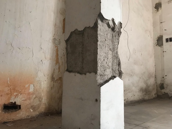 Bên trong căn biệt thự kiểu Pháp hoang tàn trên đất vàng Hà Nội trở thành nơi gửi xe - Ảnh 17.