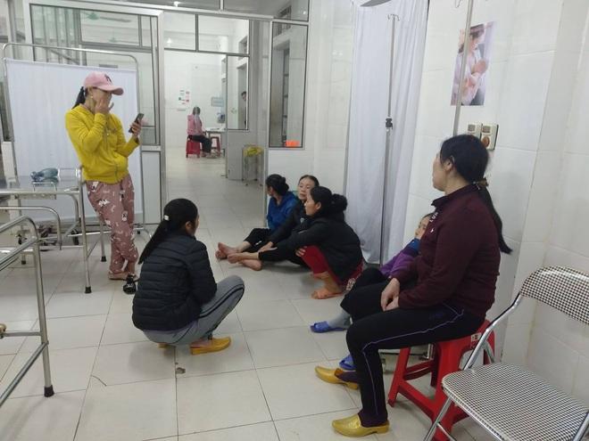 Xác định nguyên nhân ban đầu vụ 2 mẹ con sản phụ tử vong khi sinh mổ tại bệnh viện huyện - Ảnh 2.