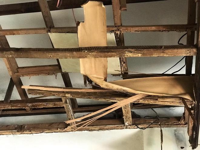 Bên trong căn biệt thự kiểu Pháp hoang tàn trên đất vàng Hà Nội trở thành nơi gửi xe - Ảnh 15.
