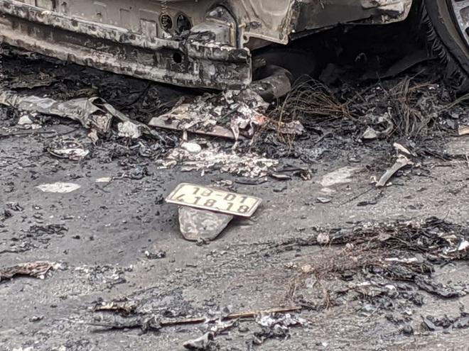 Xác định danh tính các nạn nhân vụ xe Mercedes đâm hàng loạt phương tiện rồi bốc cháy - Ảnh 1.