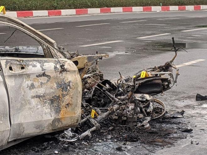 Nữ sinh may mắn thoát chết kể lại giây phút bị xe Mercedes đâm trúng rồi bốc cháy dữ dội - Ảnh 2.