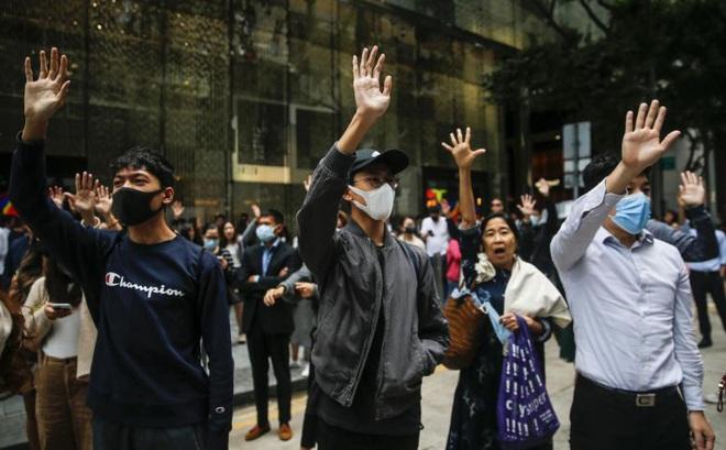 """Thượng viện Mỹ đồng lòng thông qua dự luật ủng hộ Hong Kong, trong khi TT Trump """"gần như im lặng"""""""