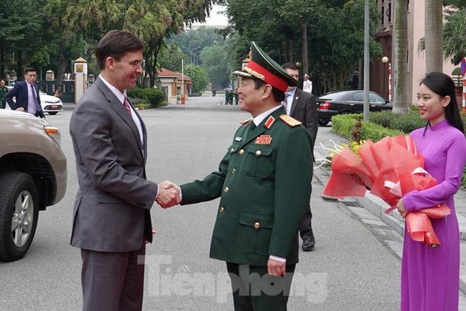 Bộ trưởng Quốc phòng Việt - Mỹ hội kiến tại Hà Nội - Ảnh 1.