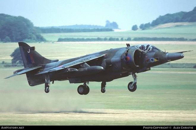 Những chiến cơ thay đổi cuộc chơi giữa các cường quốc quân sự trong Chiến tranh Lạnh - Ảnh 11.