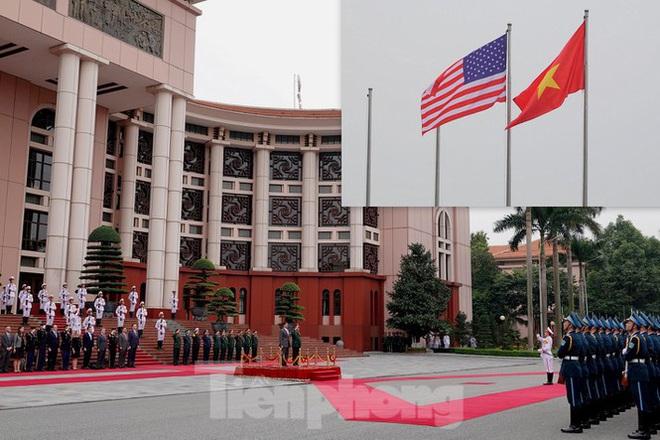 Bộ trưởng Quốc phòng Việt - Mỹ hội kiến tại Hà Nội - Ảnh 3.