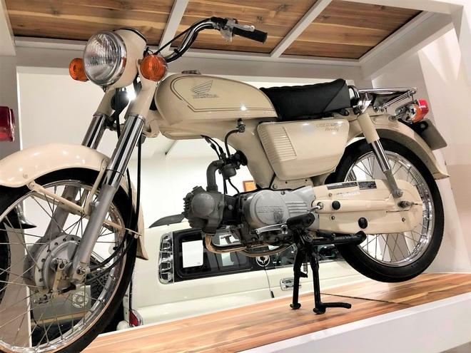 Bảo tàng xe cổ cực hiếm, đáng giá cả gia tài của đại gia Lâm Đồng khiến dân xe dậy sóng - Ảnh 4.