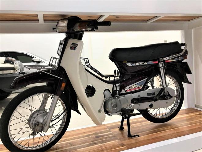 Bảo tàng xe cổ cực hiếm, đáng giá cả gia tài của đại gia Lâm Đồng khiến dân xe dậy sóng - Ảnh 6.