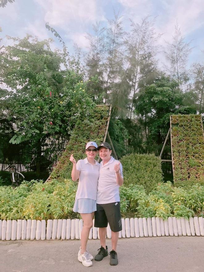 Báo Trung Quốc trầm trồ với chuyện tình yêu của cặp đôi chồng hơn vợ 16 tuổi ở Việt Nam - ảnh 5