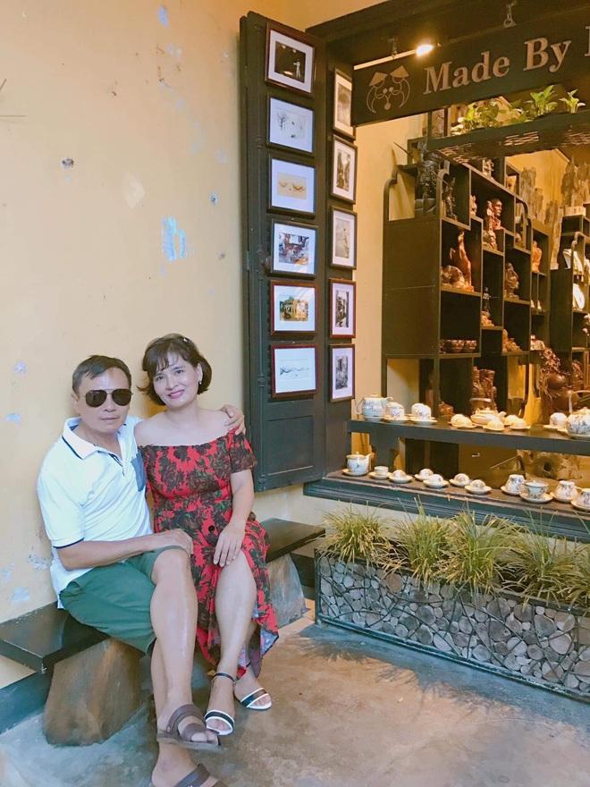 Báo Trung Quốc trầm trồ với chuyện tình yêu của cặp đôi chồng hơn vợ 16 tuổi ở Việt Nam - ảnh 4