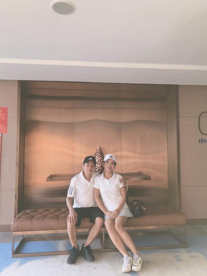 Báo Trung Quốc trầm trồ với chuyện tình yêu của cặp đôi chồng hơn vợ 16 tuổi ở Việt Nam - ảnh 2
