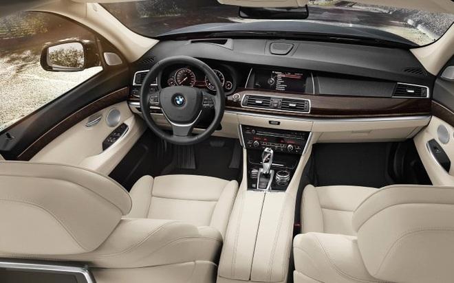 Đợt giảm giá mạnh nhất trong năm, BMW hạng sang xuống mức thấp kỷ lục - Ảnh 4.
