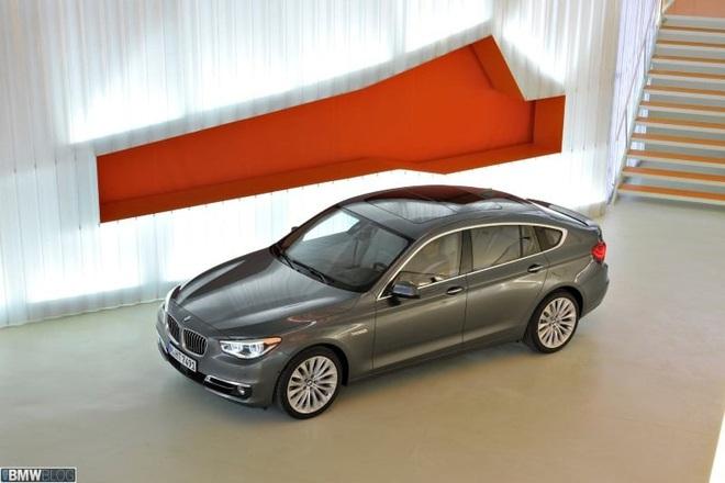 Đợt giảm giá mạnh nhất trong năm, BMW hạng sang xuống mức thấp kỷ lục - Ảnh 7.