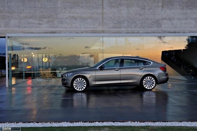 Đợt giảm giá mạnh nhất trong năm, BMW hạng sang xuống mức thấp kỷ lục - Ảnh 8.