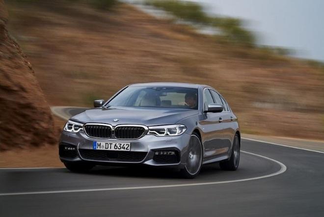 Đợt giảm giá mạnh nhất trong năm, BMW hạng sang xuống mức thấp kỷ lục - Ảnh 2.