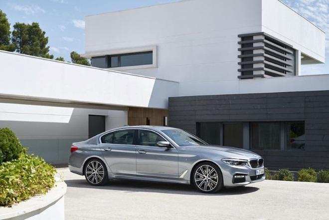 Đợt giảm giá mạnh nhất trong năm, BMW hạng sang xuống mức thấp kỷ lục - Ảnh 1.