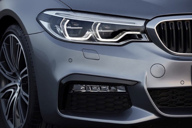 Đợt giảm giá mạnh nhất trong năm, BMW hạng sang xuống mức thấp kỷ lục - Ảnh 3.