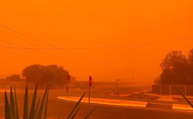 24h qua ảnh: Bầu trời ở Australia chuyển màu cam vì cháy rừng