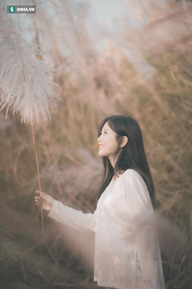 Chân dung nữ sinh trường Y xuất hiện trong bộ ảnh cỏ lau khiến dân mạng xôn xao thời gian qua - ảnh 2