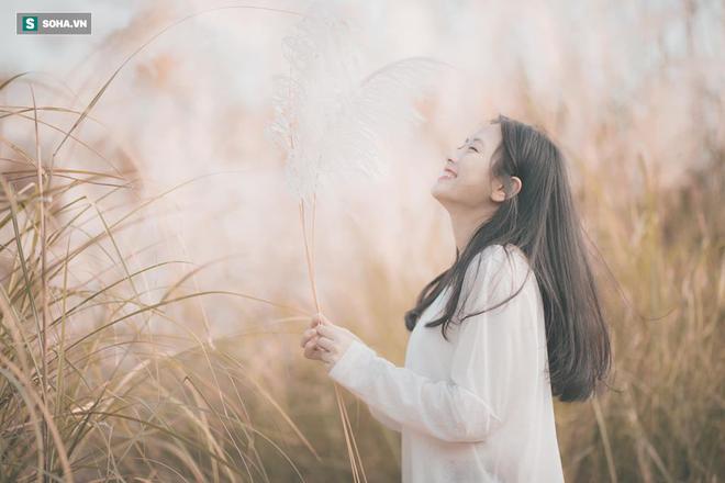 Chân dung nữ sinh trường Y xuất hiện trong bộ ảnh cỏ lau khiến dân mạng xôn xao thời gian qua - ảnh 3