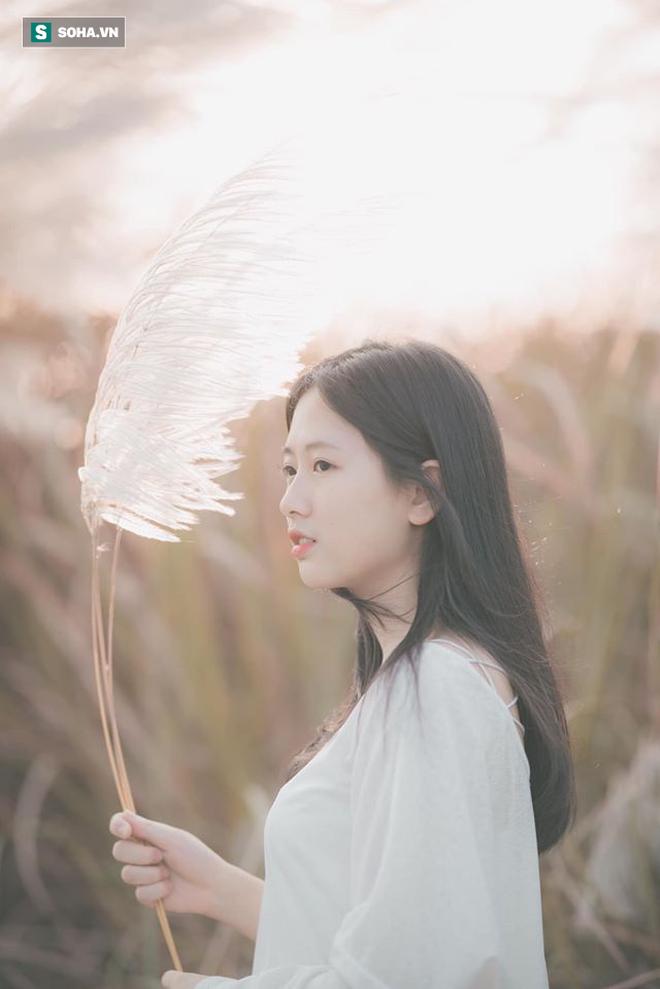 Chân dung nữ sinh trường Y xuất hiện trong bộ ảnh cỏ lau khiến dân mạng xôn xao thời gian qua - ảnh 4