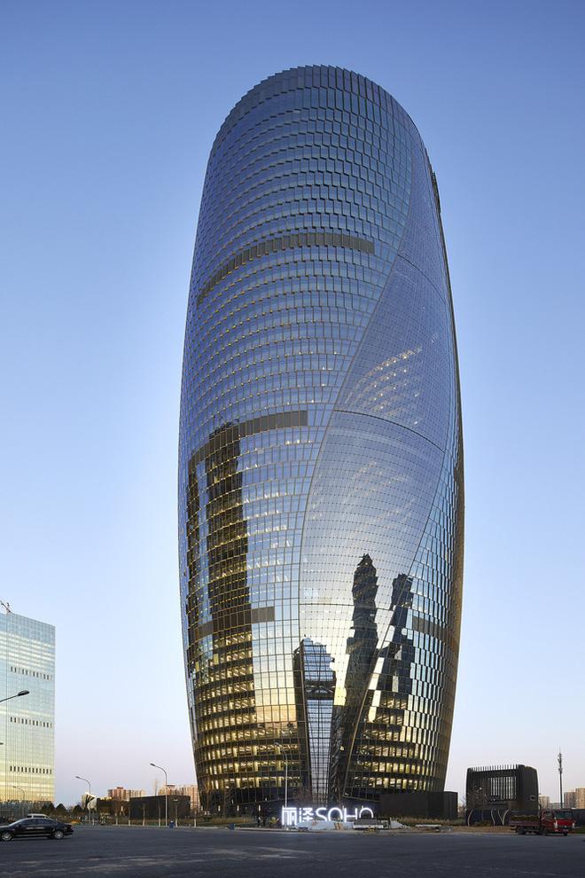 Mục sở thị tòa nhà có giếng trời cao nhất thế giới - Ảnh 2.