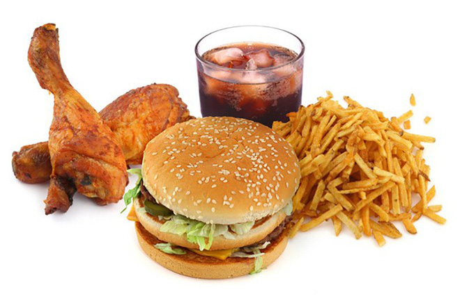 Sau khi ăn đồ ăn nhiều cholesterol nên làm điều này để không tăng cân - Ảnh 1.