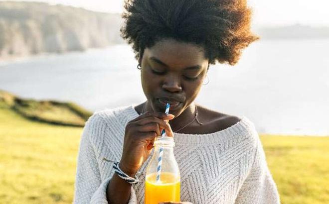 """Uống thêm dù chỉ 1/2 ly nước ép/ngày """"có thể làm tăng nguy cơ mắc bệnh tiểu đường"""""""