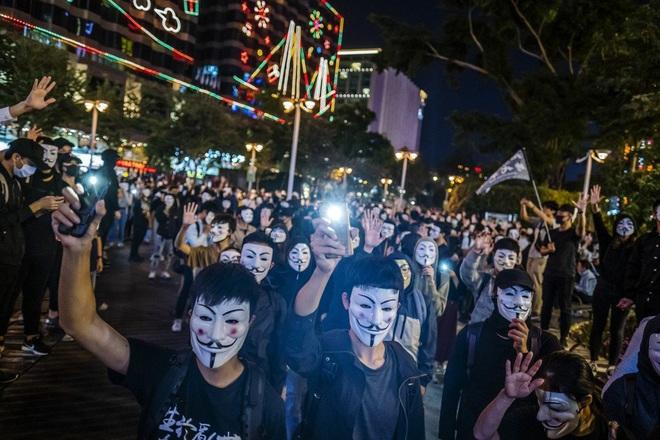 Chuyên gia: Ông Trump chắc chắn sẽ kí dự luật Hong Kong giữa thời điểm nhạy cảm của thương chiến - Ảnh 1.