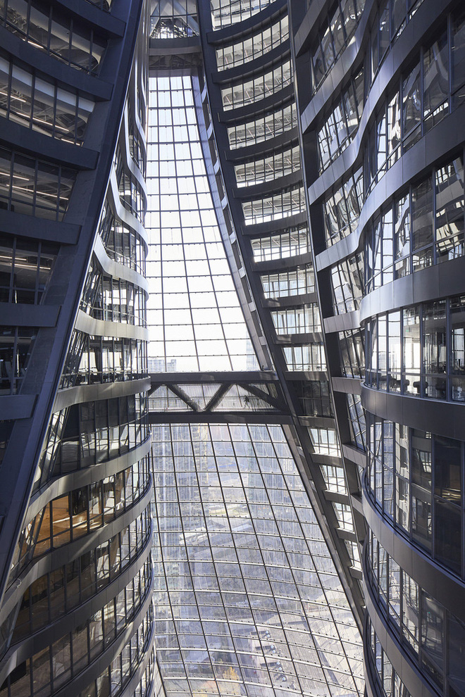 Mục sở thị tòa nhà có giếng trời cao nhất thế giới - Ảnh 3.