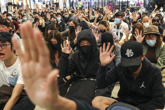 Sinh viên Trung Quốc và Hàn Quốc xung đột vì Hong Kong - Ảnh 5.