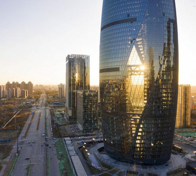 Mục sở thị tòa nhà có giếng trời cao nhất thế giới - Ảnh 5.